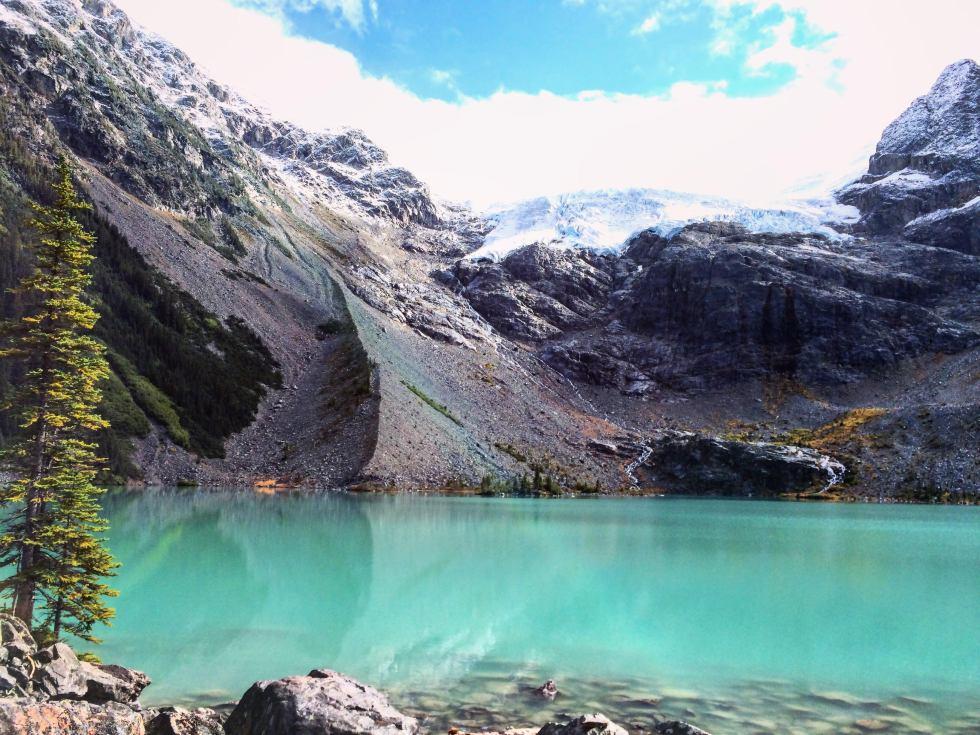 Joffre-Lakes-stunning-views